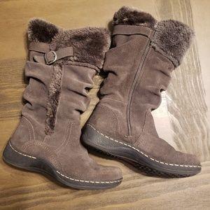 Shoes - Bare Trap Boots